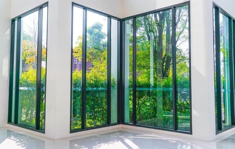 Fenêtre, fenêtre-porte aluminium - Construction métallique Lausanne Vaud EFIRA Sàrl